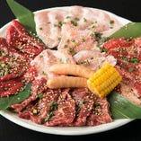 カルビ、ハラミ、ロース、豚トロなど食べ応えありのセット