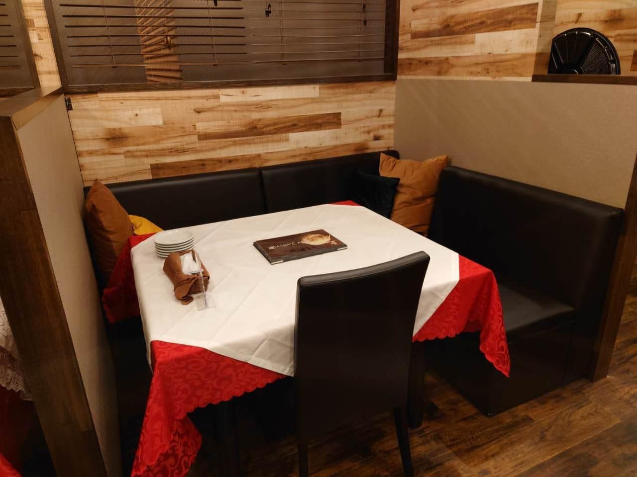ゆったりとした空間でお食事を…