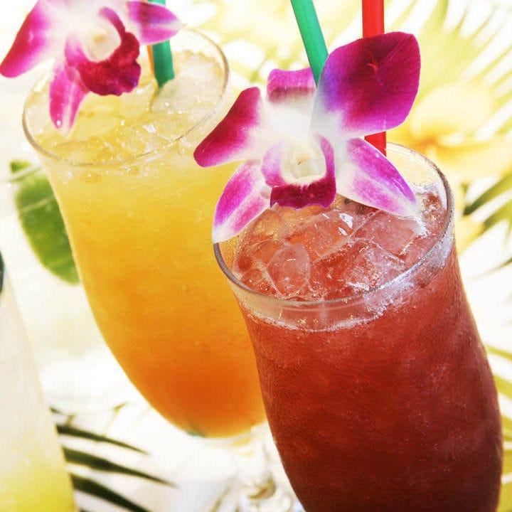 ビール・ハワイアンカクテル等、飲み放題メニューも充実