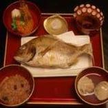 「お食い初め膳」祝い鯛付 3,500円(税抜)