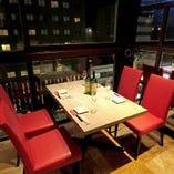 ◆窓際テーブル席◆ 天文館の通りを見下ろしながらお食事を♪