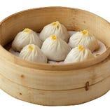 上海蟹味噌小籠包