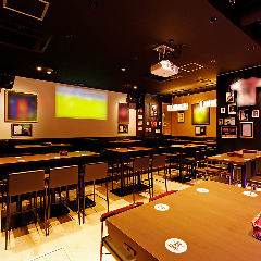 SPORTS BAR & CAFE DINING B ONE <ビーワン>の画像その1