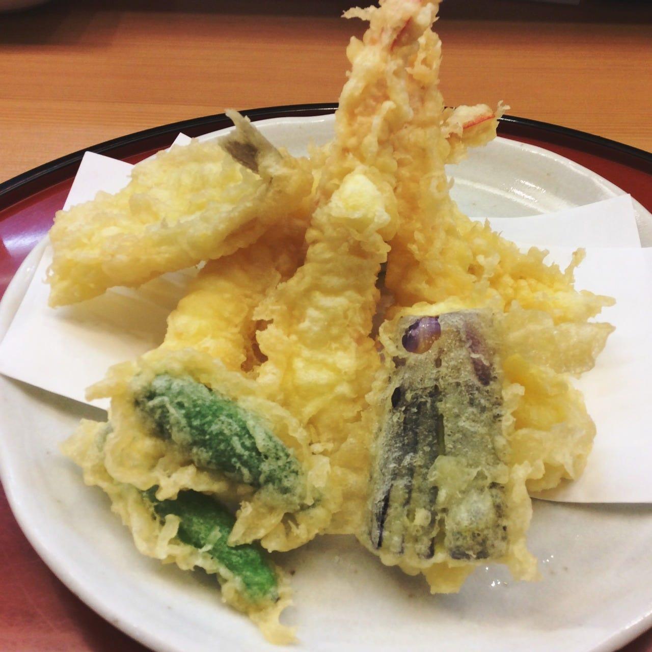 こだわり抜いた天ぷらは盛り合わせで
