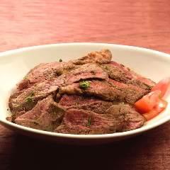 肉バルSaltのステーキ丼