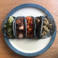 Los Tacos Azules(ロス・タコス・アスーレス)