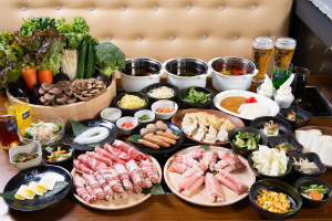 厳選牛しゃぶしゃぶコース!厳選牛、羊肉、銘柄豚、サイドメニュ-充実40種以上食べ放題
