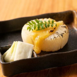 【煮大根×柚子味噌】焼くことで甘みが増す大根に柚子の風味が◎