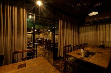 三軒茶屋 燻製201号室  店内の画像