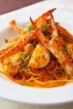 まるごと一匹渡り蟹のSpaghetti 人気メニューです。